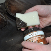 Saddle Clinic Leather Re-Coloring Balm